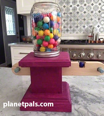 Planetpals craft page make recycle bubble gum machine for Recycle project ideas