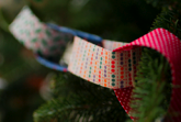 make recycle garland for your tree